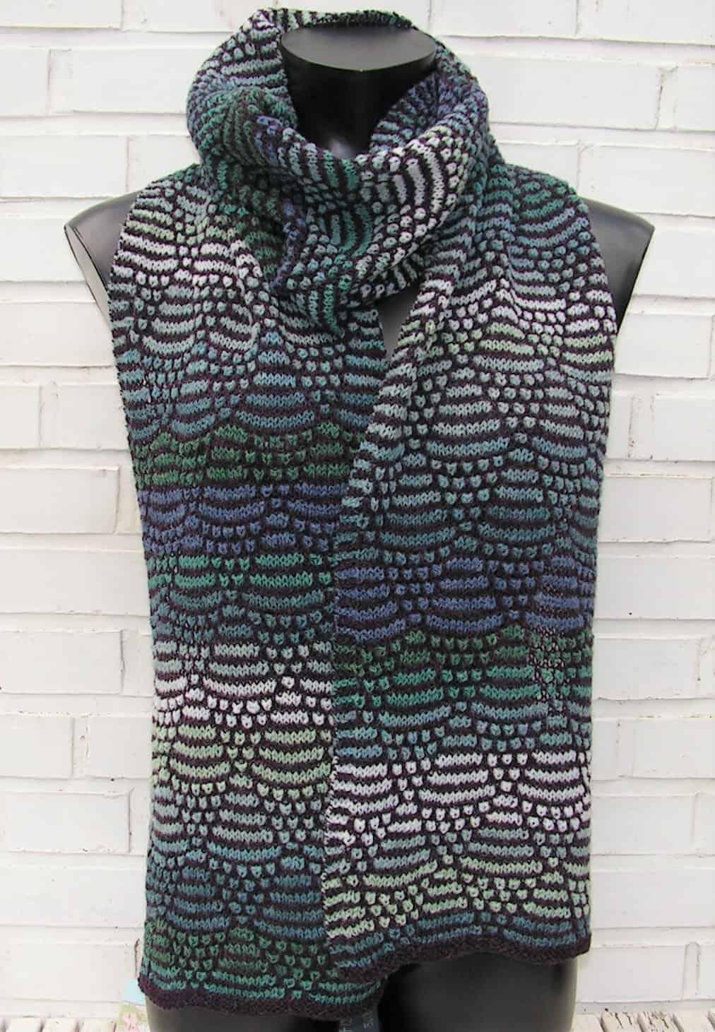 køb strikkeopskrigt på tørklædet springflod