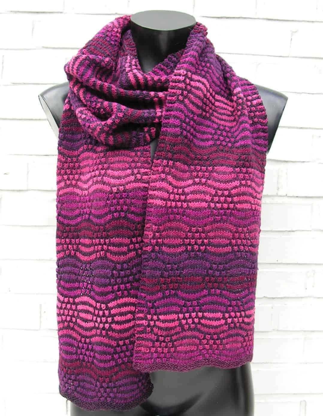 Lækkert strikket tørklæde, køb opskrift